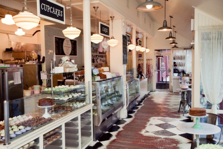 great use of signage and lights. You are an inspiration Magnolia Bakery!