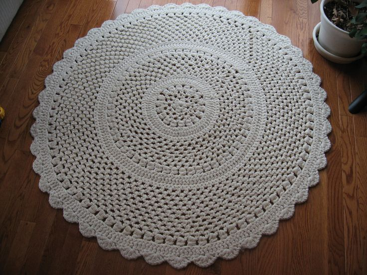 Ravelry: Lacy Throw Rug pattern by Terry Kimbrough. Beautiful! Free pattern!