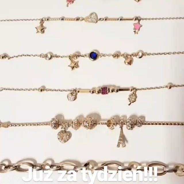 Już za tydzień na naszą stronę zawitają najsłodsze bransoletki na świecie wykonane ze złota 585 😊   https://lydiana.pl/   #bizuteriagwiazd #goldjewellery #zlotabizuteria #jewellery #polishgirl#polskadziewczyna #gifts #prezent  #simplejewellery #pandora  #charms #złotabransoletka #crossbracelet #bransol celebrytki  #lydianajewellery