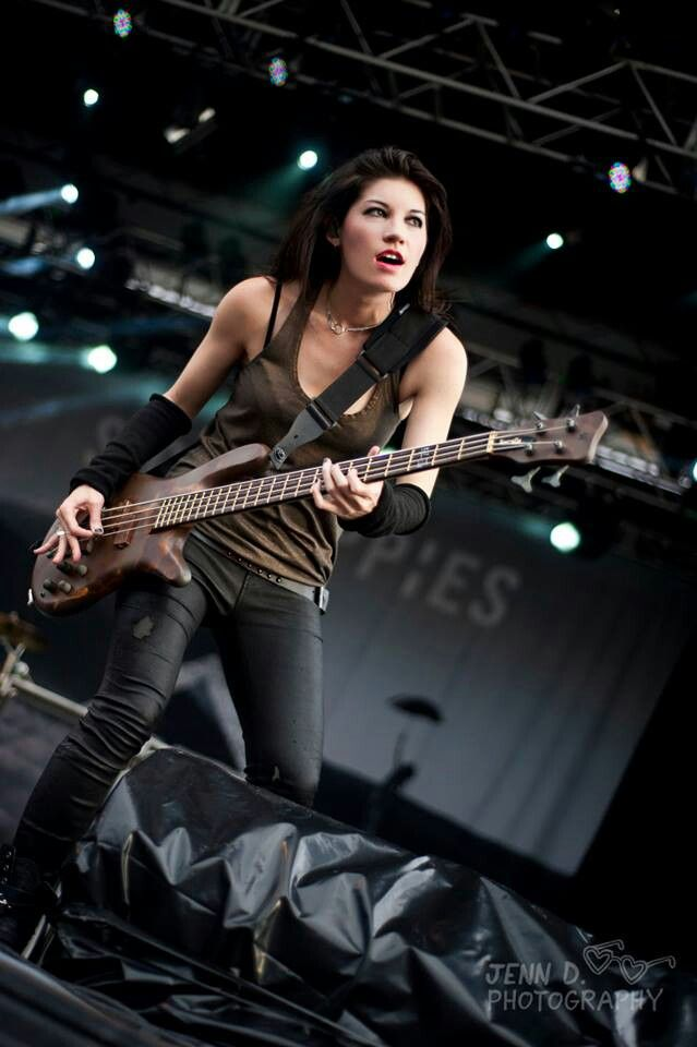 Emma Anzai, Sick Puppies
