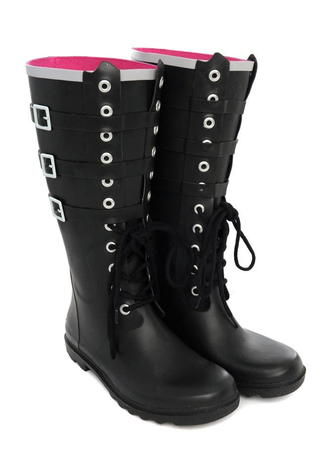 Killer (gum) boots man!