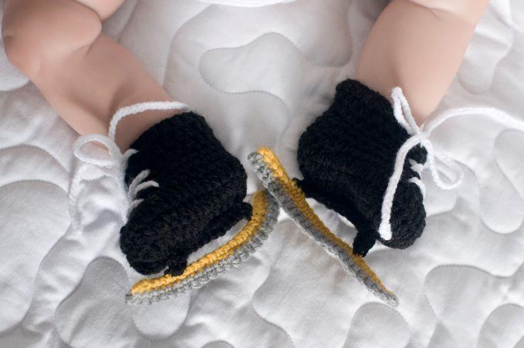 BABY SPEED SKATES Black White, Grandmabilt Crocheted Speed Skating Booties, Baby Knit Speed Skates, Baby Speed Skater, Newborn Speed Skates by Grandmabilt on Etsy