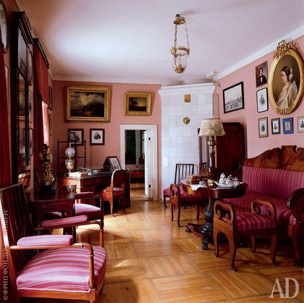 Усадьба в Мураново, дом построен в 1842 году поэтом Евгением Баратынским.