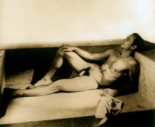 Yul Brynner began acting and modeling in his twenties and early in his career he was photographed nude by George Platt Lynes (1907-1955). These shots were taken in 1942.