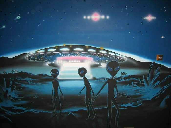 ALIENS | In this mural, Friendly Aliens Roswell Greys visit alien landscape ...