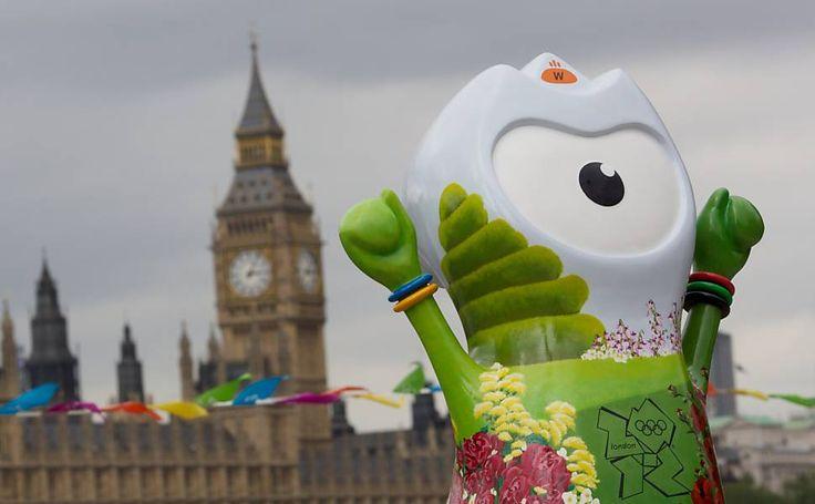 """""""Mascote Parade"""": 83 esculturas de Wenlock, a estranha mascote dos Jogos Olímpicos, estão espalhadas pela capital da Inglaterra."""