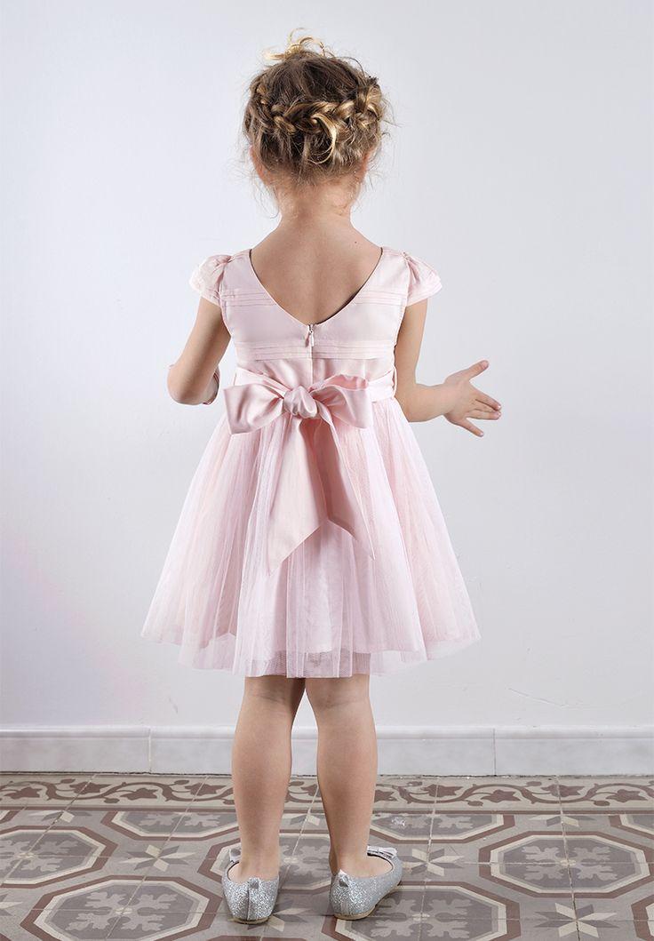 Un aperçu de la robe Ninon Rose de dos avec la ceinture Sarah assortie pour un total look pour votre cortège.