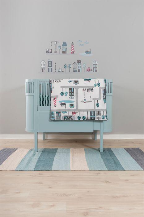 Wonderful bed from Sebra | babyroom | Jollyroom - http://www.jollyroom.se/produkter/sebra-baby-och-juniorsang-kili-110-150x70cm-pastell-turkos #jollyroom #barn #bebis #baby #kids #barnrum #kidsroom #spjälsäng #cot #kili #sebra #jollyinspo #inspo #inredning #interior