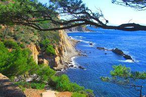 La Côte Bleue : Les lieux mythiques de la Provence - Au pied du massif de l'Estaque, la Côte Bleue relie Marseille à Martigues. Ce petit paradis naturel séduit particulièrement les amateurs de plongée.  ©  lucien ruth