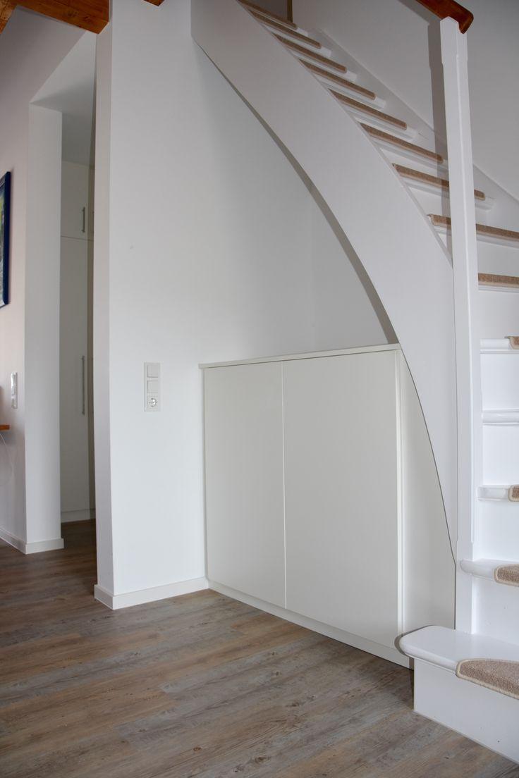 die besten 25 unter der treppe ideen auf pinterest treppenspeicher stauraum unter der treppe. Black Bedroom Furniture Sets. Home Design Ideas