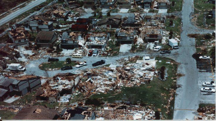 Efectos de Huracán Andrew 1992. Foto NHC.Archivo
