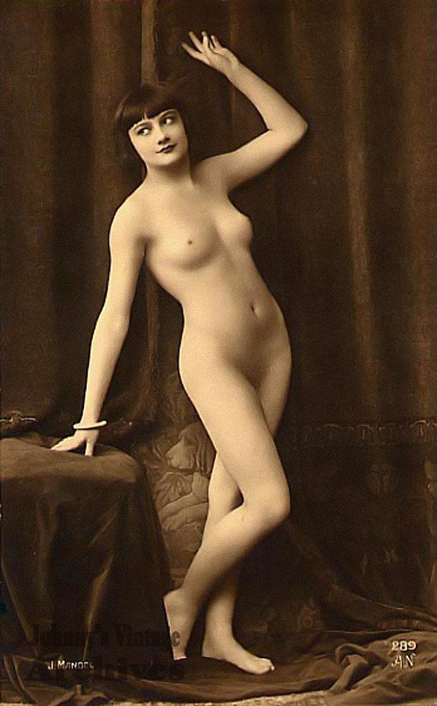 nude-french-women-galleries-big-boobs-in-bath