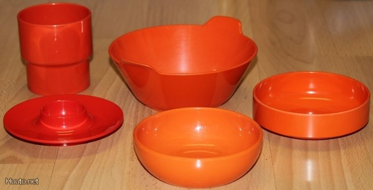 Sarvis plastic cups. They were everywhere, even in the army canteen you could find them.