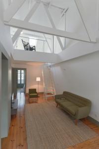 O Embaixador 26: Belem Serviced Apartments é um alojamento situado em Lisboa, a 900 metros do Mosteiro dos Jerónimos.
