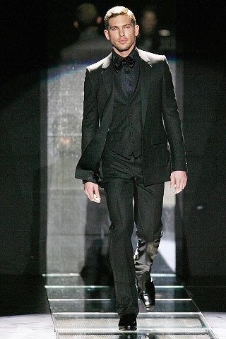I'd love a guy who can pull this off! #Versace suit.