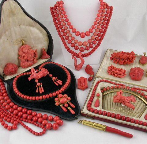 Colección de joyas de coral del siglo XVIII y XIX que