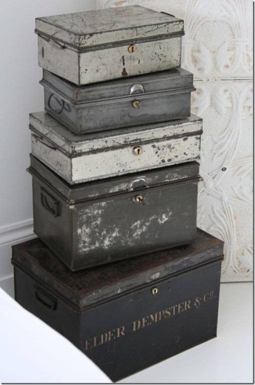 Love the grays. Maybe I could paint and distress some of my boxes.