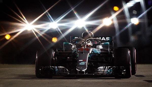 Formula 1 Ferrari Fails Vettel Strategy Hamilton Crowned King Of The Night Https Sportworld News Formel 1 Formu Singapore Grand Prix Formula 1 Hamilton