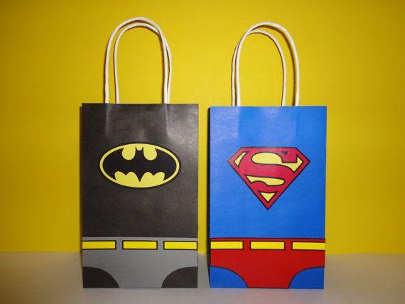 Superman & Batman Favor/ Goody Bags - Superman Batman Birthday Party/ Fiesta https://www.etsy.com/listing/400559969/batman-superman-favor-bags-instant