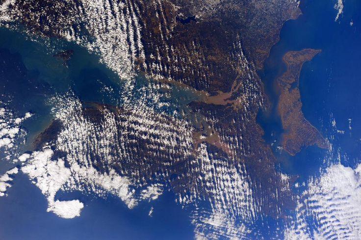 (IT) Ciao #Canada! Questa è la Nuova Scozia e l'Isola del Principe Edoardo dallo spazio.