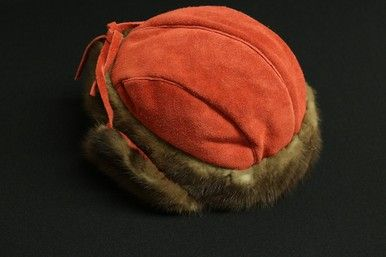WOMEN'S RED MOOSE HIDE AND BEAVER FUR WINTER HAT AND MATCHING MITTS SET