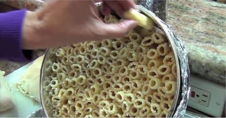 She Stacks Cooked Pasta In A Pan. When She's Finished? I'm TOTALLY Doing This!