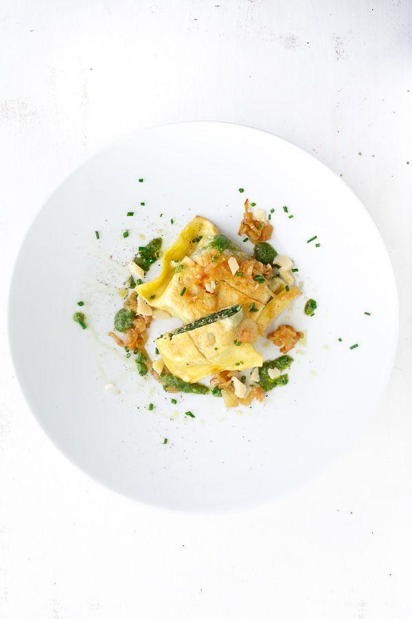 felchen-maultaschen-mit-zwiebeln-basilikum-pesto
