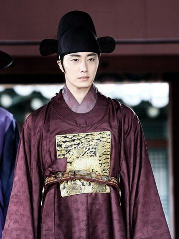 he Night Watchman's Journal (Hangul: 야경꾼 일지; RR: Yagyeongkkun ilji) is a 2014 South Korean television series starring Jung Il-woo, Ko Sung-hee, U-Know Yunho and Seo Ye-ji. It aired on MBC for 24 episodes. 정일우