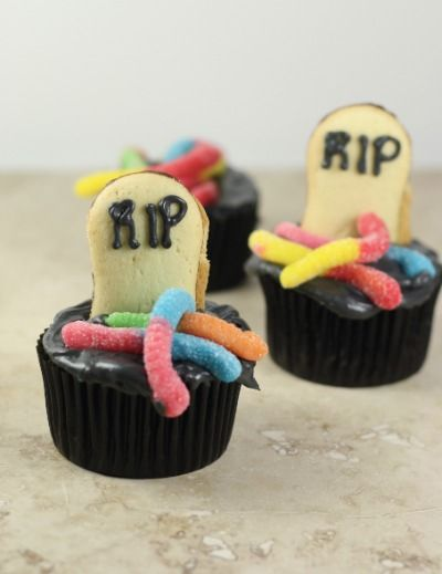 Halloween Tombstone Cupcakes from The Little Kitchen (http://punchfork.com/recipe/Halloween-Tombstone-Cupcakes-The-Little-Kitchen)