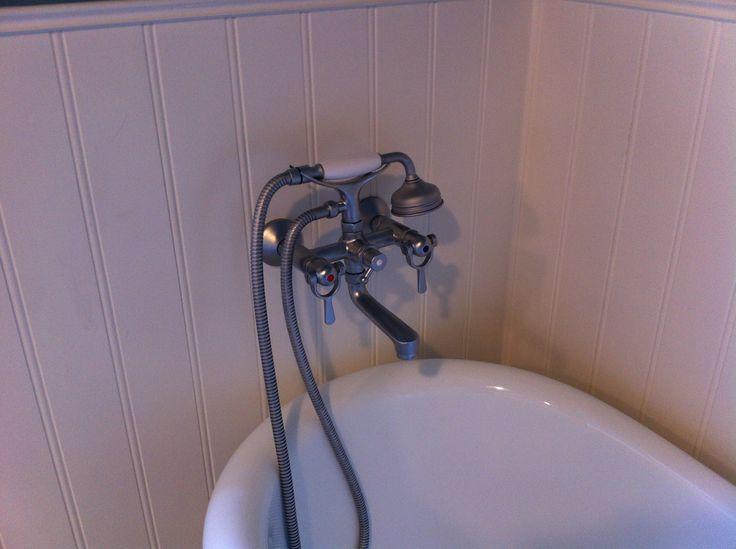 Badekar med Toni blandings batteri - syntes det står godt til de Svenske paneler ;-)