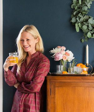 Emily Henderson's Tips for a Flawless Cocktail Party| This LA-based stylist and designer knows her stuff when it comes to decorating, entertaining, and elevating an event.