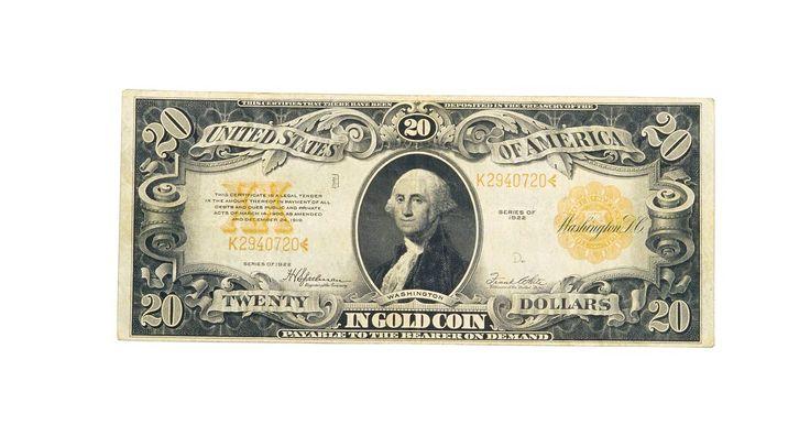 Como encontrar o valor de notas antigas. Colecionadores em todos os Estados Unidos desfrutam trocar, descobrir, comprar e vender moedas e notas antigas. Moedas e notas antigas, quando mantidas em bom estado de conservação, podem ser incrivelmente valorizadas. Talvez você tenha, vagarosamente, construído uma coleção de moedas visitando lojas ou leilões, ou talvez um parente falecido tenha ...