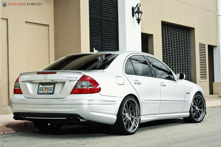 Mercedes-Benz Photo: MERCEDES - BENZ E63 AMG