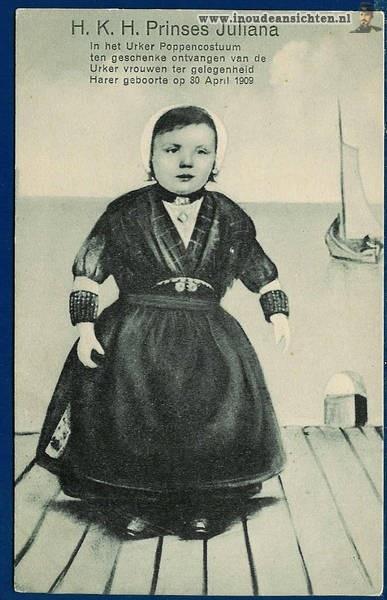 Urker pop, aangeboden bij de geboorte van prinses Juliana.