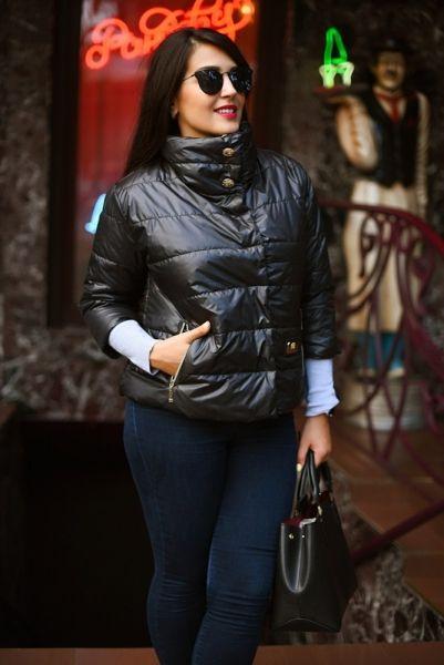 Модная женская куртка на синтипоне с укороченным рукавом большой размер черная
