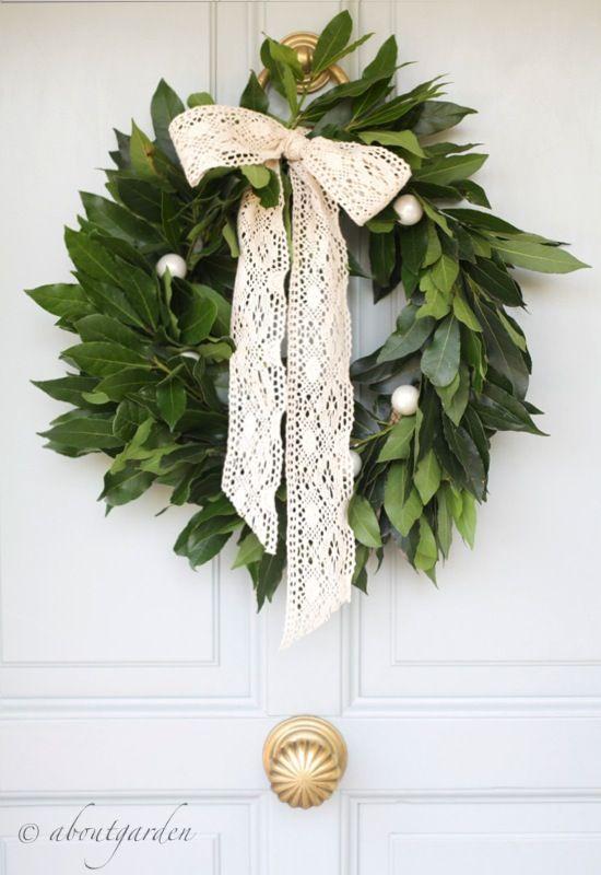 """DIY Un tempo in Liguria, ma anche in altre regioni d'Italia, le decorazioni di casa erano semplici frasche adornate con frutti colorati e biscotti o altri dolcetti. I """"rami"""" di Natale…"""