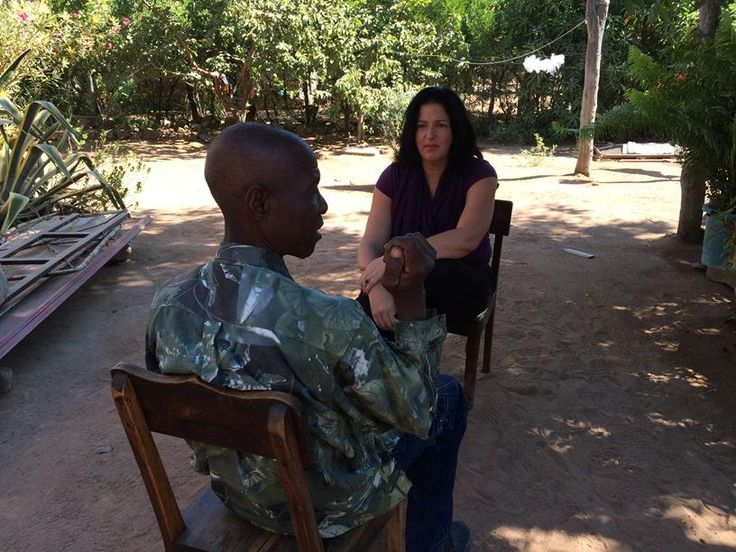 Show host, Lisa Chait, interviews Manuel Vapour, local resident and Mota-Engil employee (1)