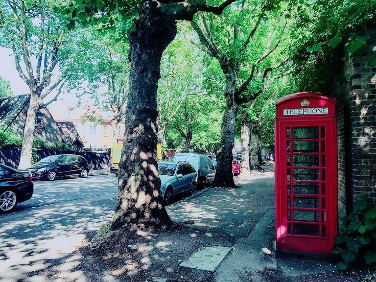 Nature. #ldn #london #londoner #londonlife #londongirl #londoncalling #londoncity #londonlove #londonstyle #london_only #londontown #instagood #instalondon #igers #igersuk #igerslondon #igersoftheday #architectureporn #phonebox #londonphone #architecture #architecturelovers #urban #urbanlife #urbanstyle #urbanliving #urbanphotography #scenic #phonebooth