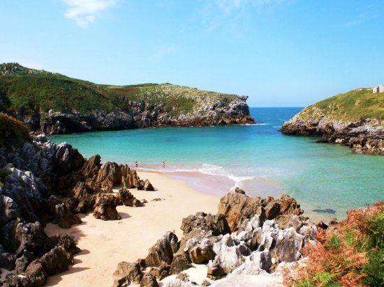 Si Por Algo Es Conocido Llanes Es Por Su Costa Os Presentamos Un Recorrido Por El Litoral Llanisco De Playas De Asturias Playas De Llanes Paisajes De España