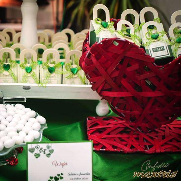 #confetti #maxtris #wafer #confettata #wedding #ideas #inspirations #decorations #bomboniere #party #favors #favours