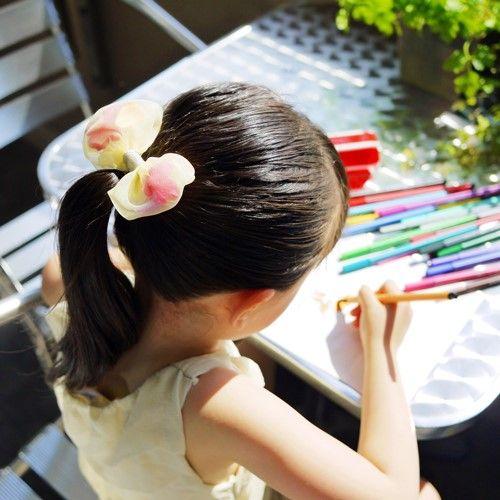 オーガンジーに造花を入れたヘアゴム着画 ✄image