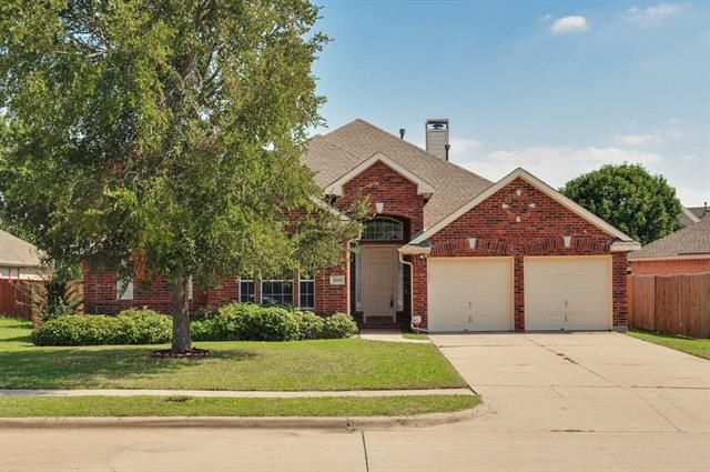 Looking for a great #home in the #MidCities. This #RecentlyListed home is very well maintained, has an open floor plan, and is light & bright on a quiet cul de sac. 6205 SNOW RIDGE COURT, ARLINGTON, TX 76018 – 'bit Southern Realty Group | eXp Realty