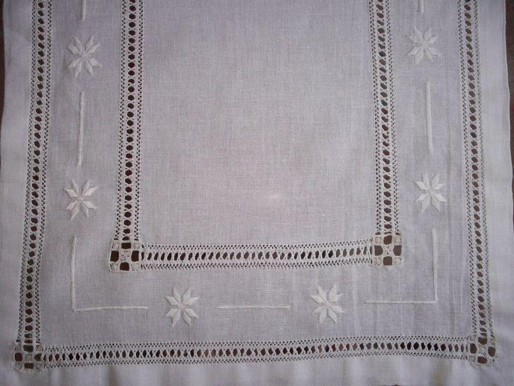 Primo sfilato http://dirittierovesci.blogspot.it/2009/08/il-mio-primo-ricamo-con-le-sfilature.html