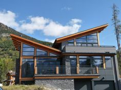 Mountain Retreat #WestCoast #Home by Gaulhofer Windows located in Duncan, BC