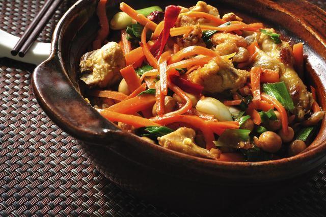 ¡Esta comida oriental será tu nueva favorita!La combinación de sabores en un platillo es lo que lo hace más rico, y si de muchos sabores juntos hablamos, una de las comidas por excelencia en ello es el chop suey. Así que si la comida china te gusta, no tengo dudas de que la receta que te mostraré te encantar