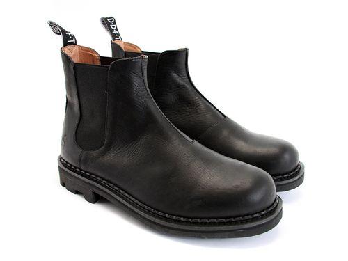 Chelsea Boot - Black via boutiika.com $195