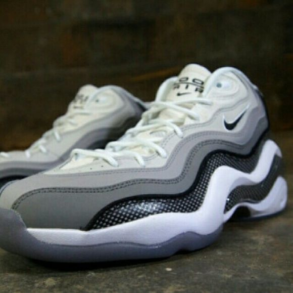 """Air Zoom Flight 96 """"PENNY HARDAWAY"""" Shoes? Men's 9 / Women 11 air zoom flight 96. You are bidding on a:BRAND: NIKE. All item is 100% authentic. Condition: brand no box. Nike Shoes Sneakers"""