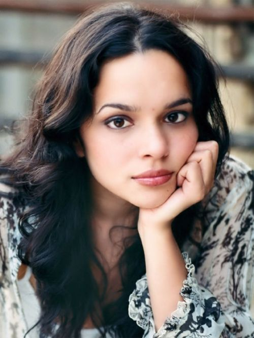 Norah Jones...I love her too much!!!!