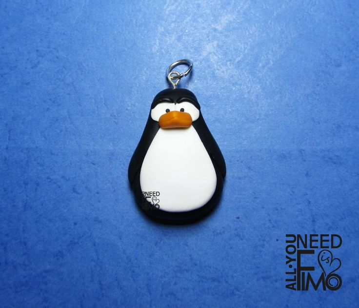 Fimo pendant with penguin #fimo #ciondolo #pinguino #inverno #fattoamano #artigianato #polymerclay #pendant #penguin #winter #handmade #diy #ooak