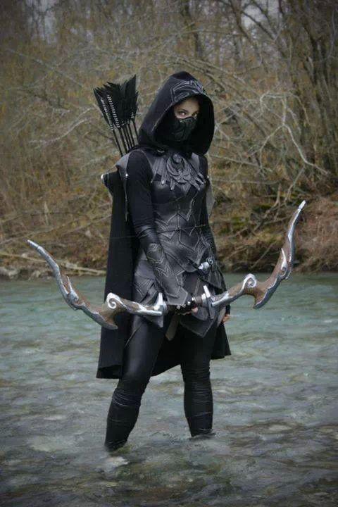 Here's my Halloween costume!  (Bahahahahaaa! I wish.) I'll definitely take that bow, though.